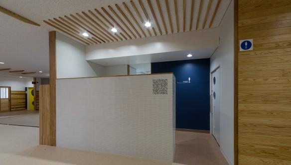 南砺市立井波中学校 体育館、男子トイレの施工例画像